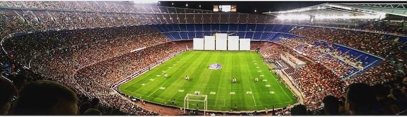 le plus grand stade du monde - le Camp Nou à Barcelone en Espagne