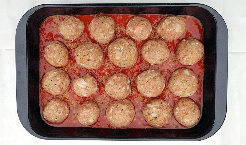griekse gehaktballen in tomatensaus
