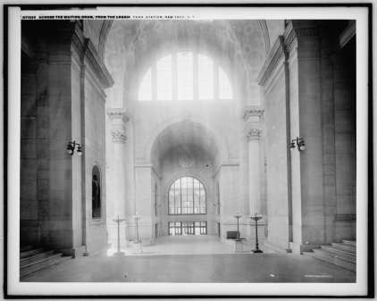 Waiting Hall Entrance from East to West in 1900-20