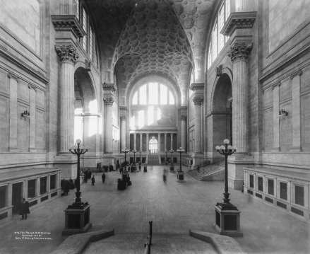 Waiting Hall from South to North in 1911