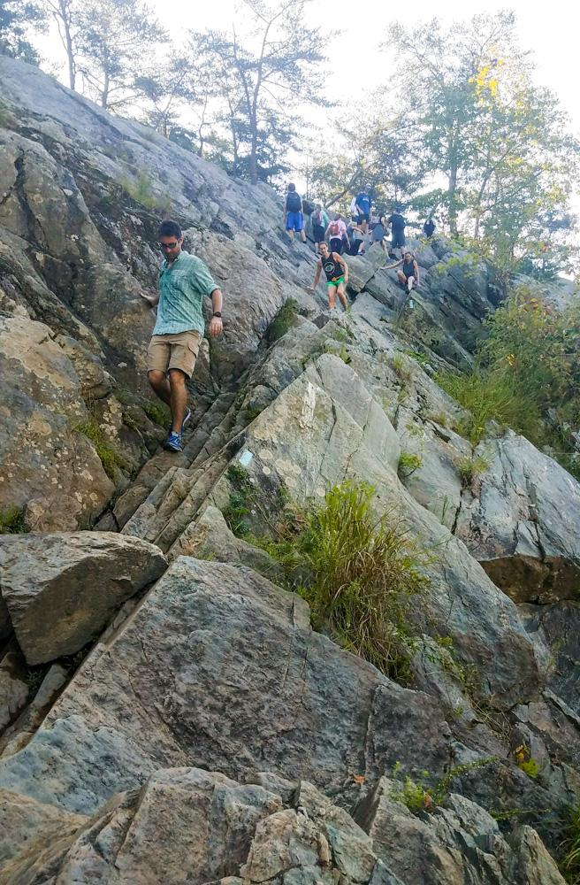 Billy Goat Trail A, Rock scrambling, 50 foot traverse