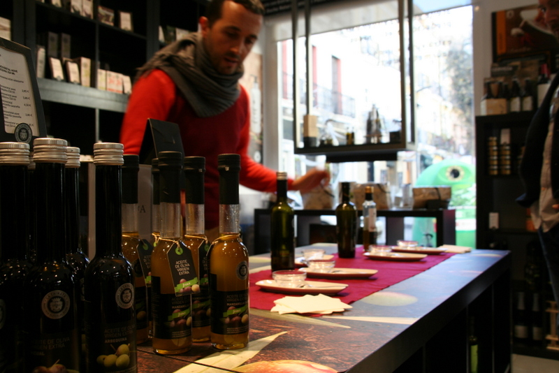 Olive tasting is part of the gourmet food tour that we took with Alicante Smart Destination