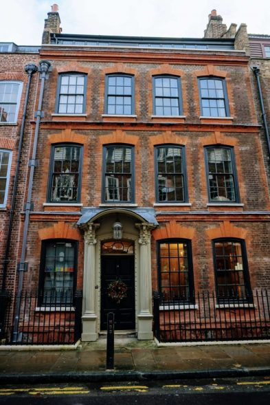 a huguenot house in Spitalfields - a Brick Lane walking tour