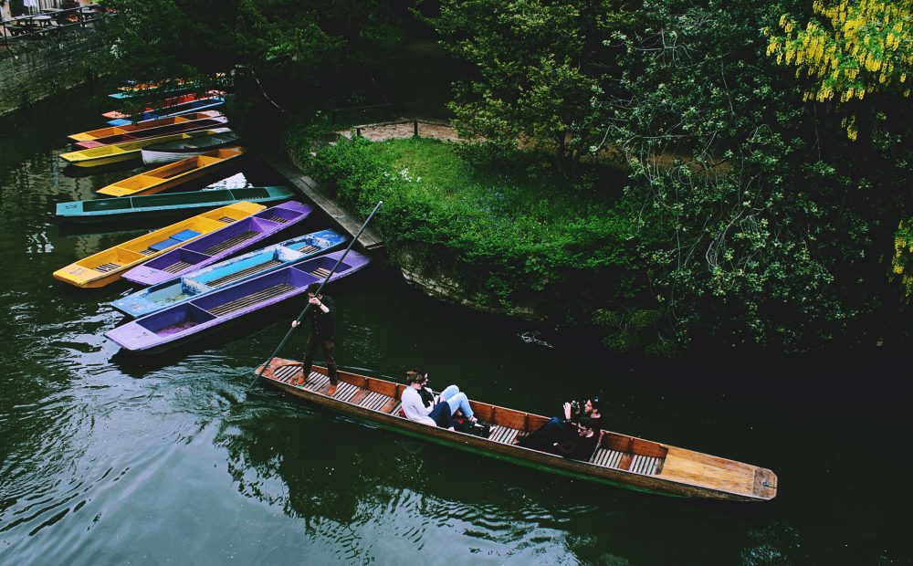 what to do in Oxford England - punting on the Isis
