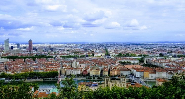 secret places Lyon - see the sunrise from Fourviere Hill