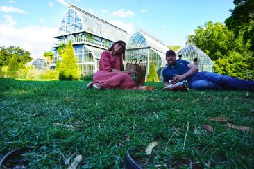 things to do in Lyon - have a picnic in the park