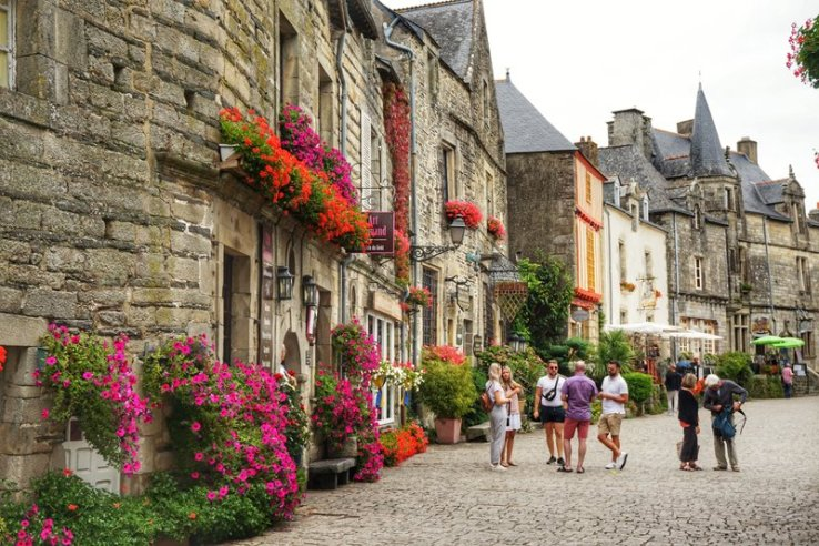 France's prettiest town - Rochefort-en-terre