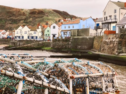 short breaks in North Yorkshire - pick a cute fishermans cottage in Staithes and get away from it all for the weekend. UK