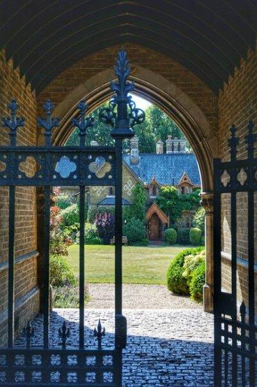 Secret spots in London. Holly Village near Hamsptead Village