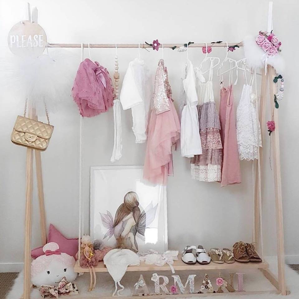 kids wooden clothes rack 120cm high with coloured tips with removable shelf