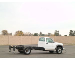 2002 Chevrolet 3500HD Medium Duty Cab & Chassis Truck For