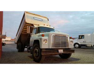 1975 International 1700 Farm  Grain Truck For Sale