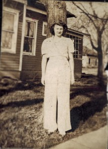 Wanda white pants