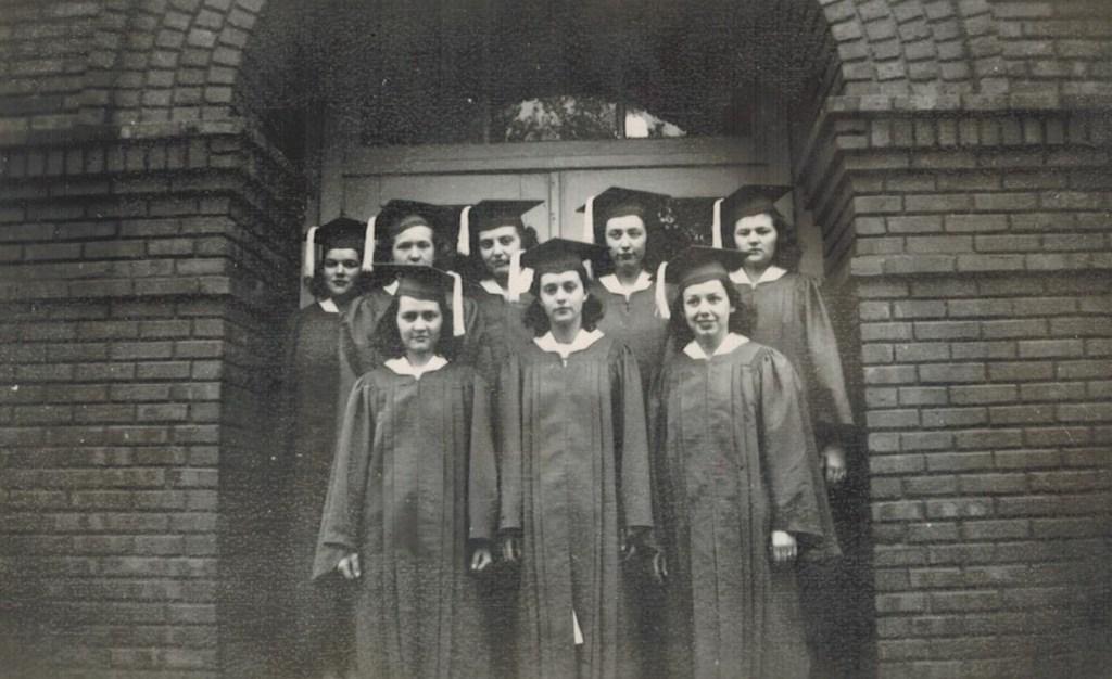 Girls Delia HS Class of 41