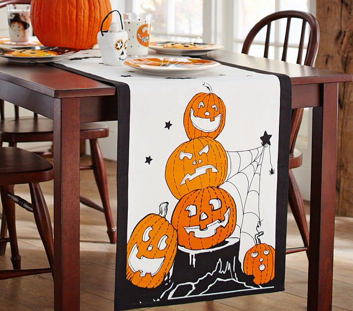 How to create a halloween candy buffet my love of style my love halloween runner solutioingenieria Gallery