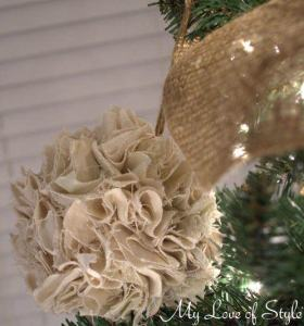 DIY Rustic Pom Pom Ornament