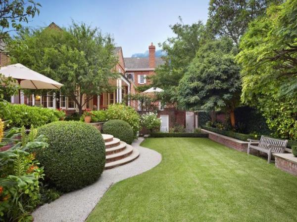 house beautiful garden design LUSCIOUS LOVES: Beautiful houses and gardens – Part 2
