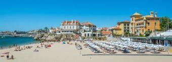 Soaking-up-the-Portuguese-Riviera-Beachside-Dining-Beautiful-Architecture-Rich-History-11.jpg