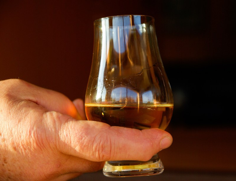 Come degustare il whisky dai bicchieri agli abbinamenti con il cibo 4