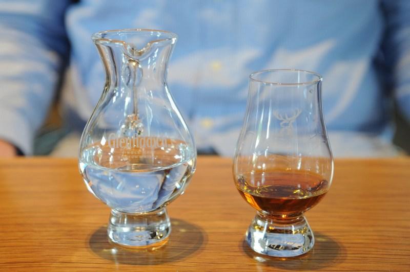 Come degustare il whisky dai bicchieri agli abbinamenti con il cibo 6