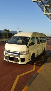 Maxi Cab 13 Seater