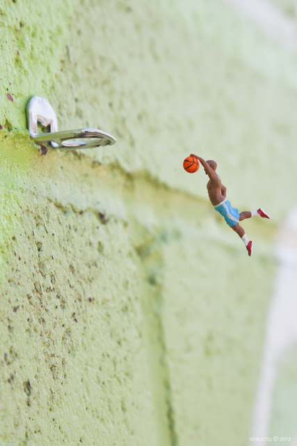 Artiste-Photographie-Slinkachu-All-Star Nobody