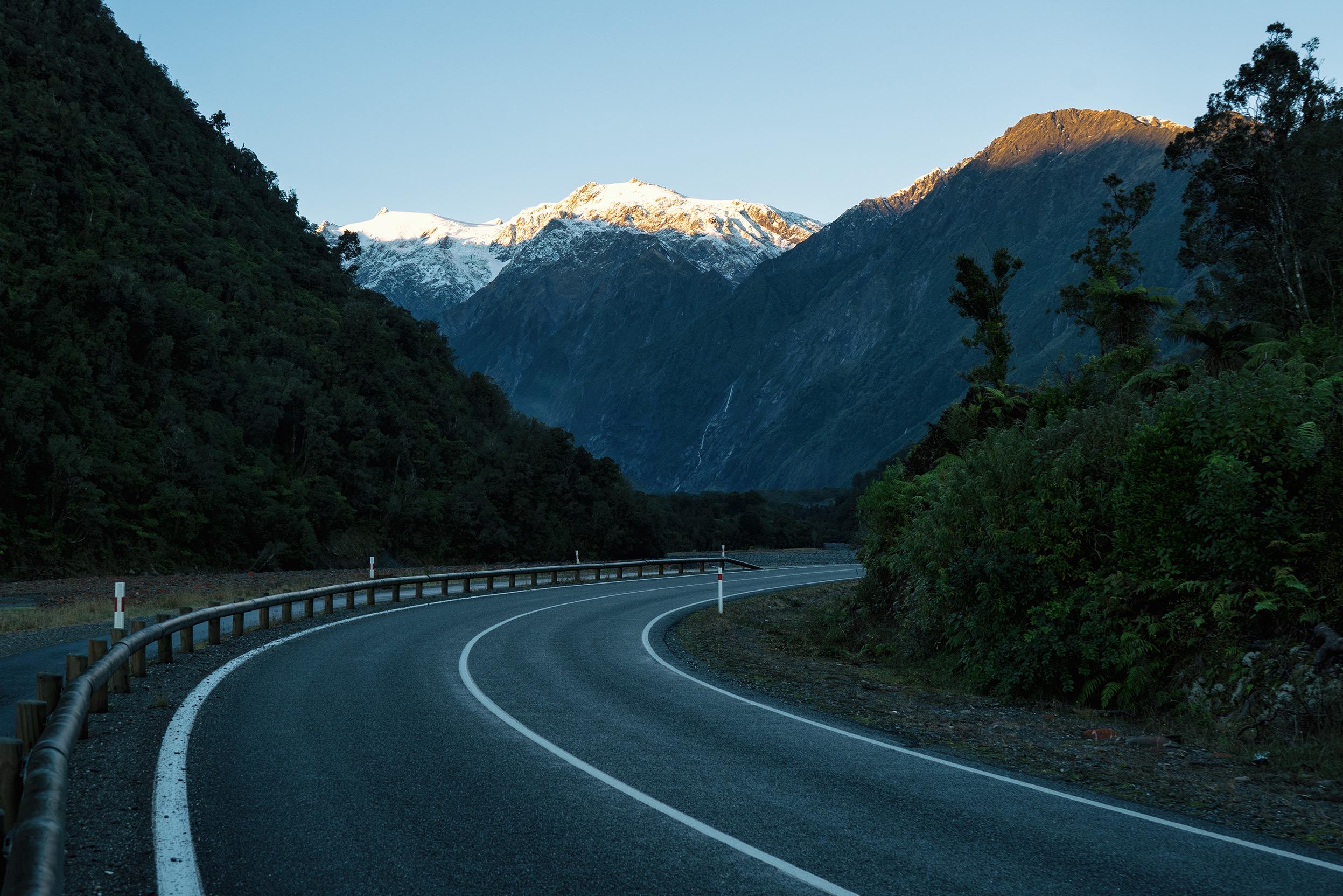 Franz Josef Glacier Road To Glacier Valley Carpark At Sunrise