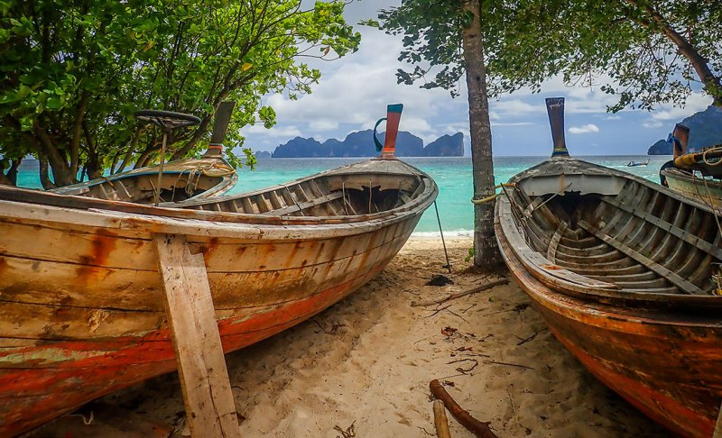 more boats on the beach Ko phi Phi