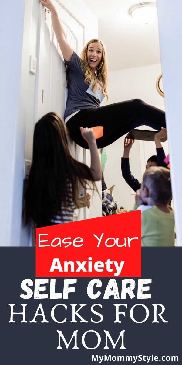 Take these practical tips for easing your anxiety so you can live your best life. Create small habits that create a happy, fulfilling life. via @mymommystyle