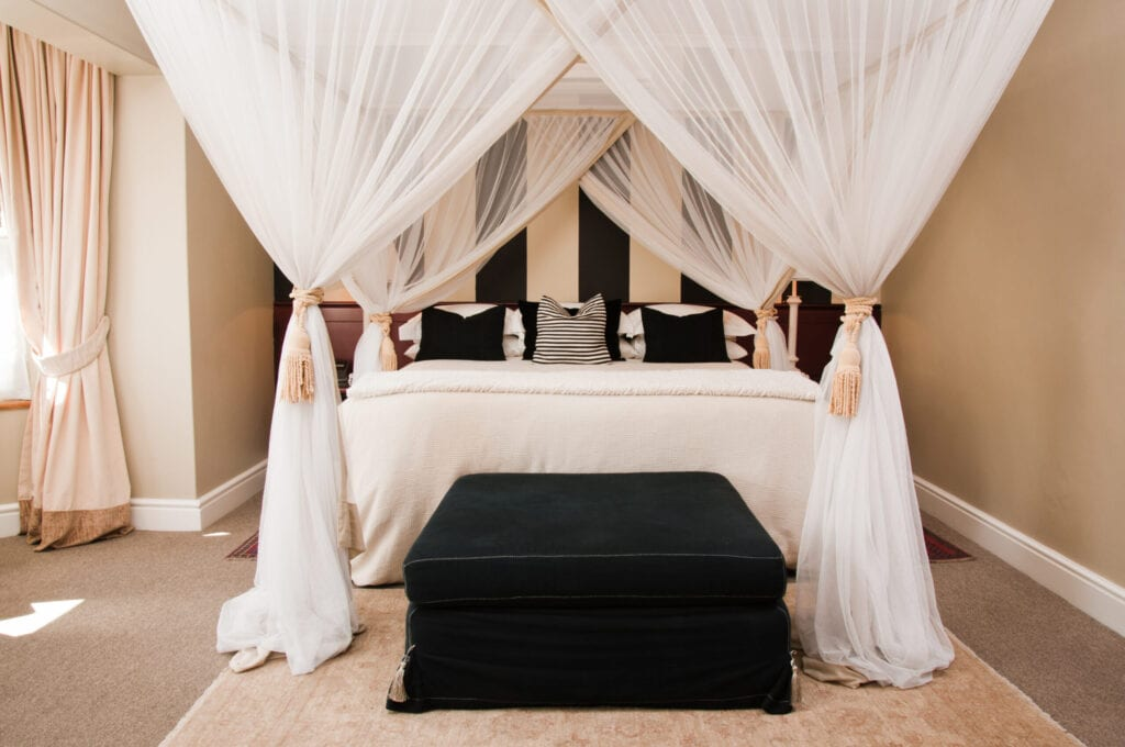 stunning bedrooms flaunting decorative