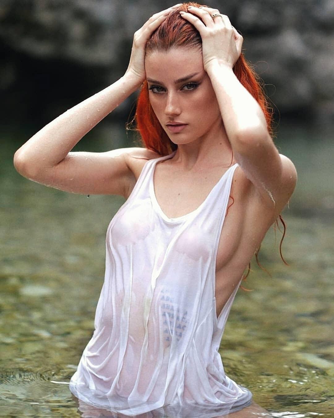 激似水行俠「梅拉」!義大利正妹《Merisiel Irüm》神複製所有火辣女角! 歐美美女