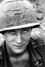 Eén van de zeldzaamste en meest iconische foto's van het Vietnam-conflict. Deze soldaat met de 1000-yard stare werd nooit geïdentificeerd.
