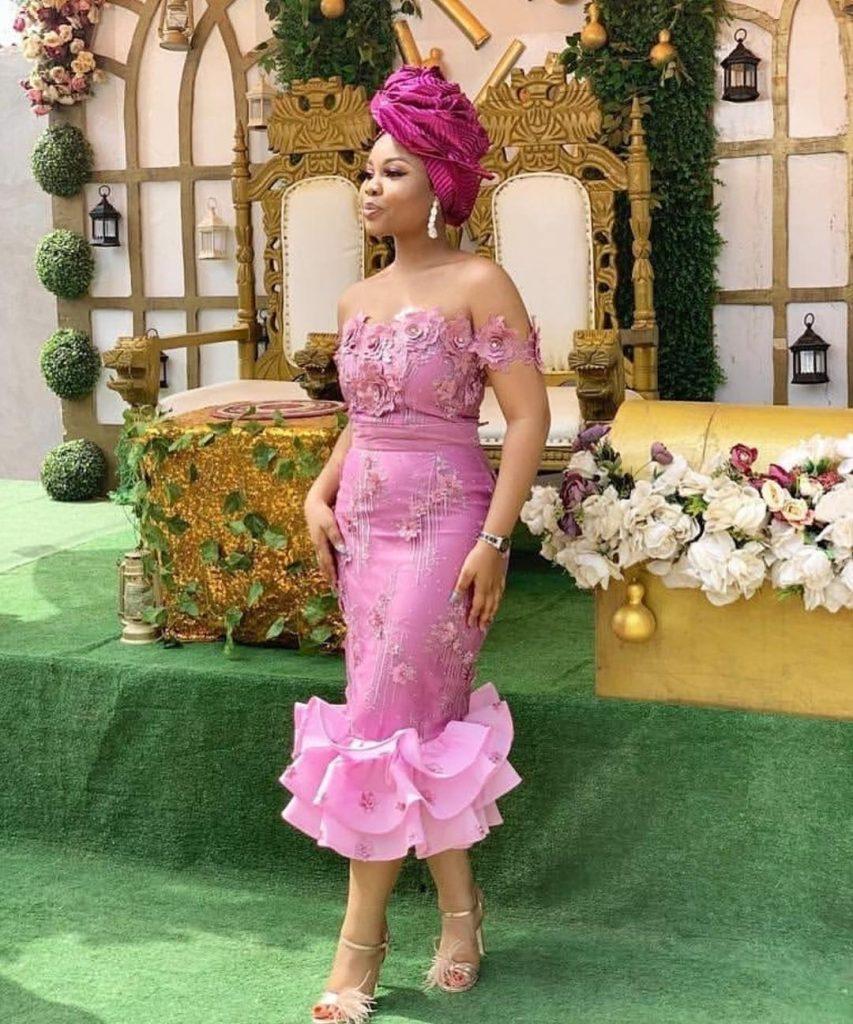 Lace Gowns,latest lace gowns 2020,latest lace gowns 2020,