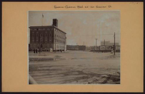 Queens Boulevard at Simonson Street in Elmhurst in 1930/NYPL Digital Collections