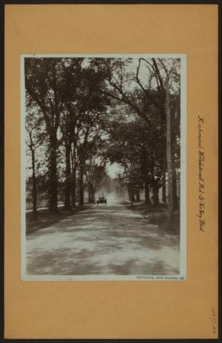 Willowbrook Road facing South from Victory Boulevard in 1910/NYPL Digital Collections