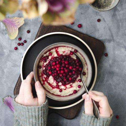 Oatmeal Porridge with Lingonberry Jam