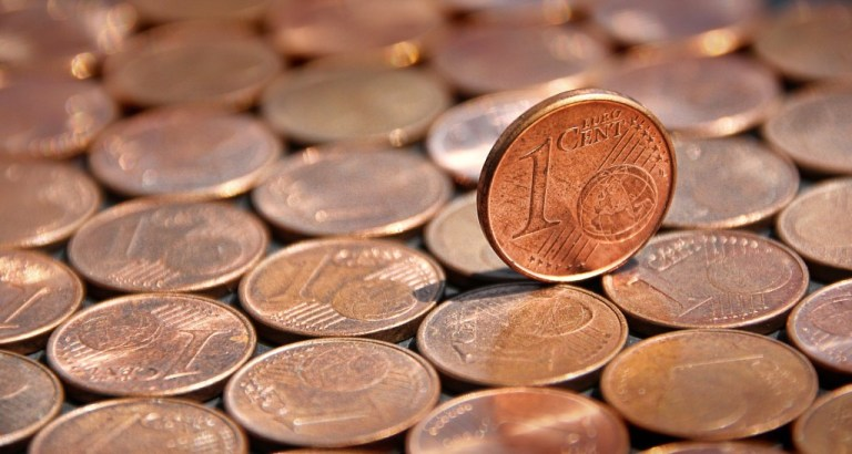 Hur bör man förvara och rengöra sina mynt