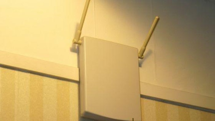 Wi-Fi Repeater VS Extender, Which One Should You Buy?