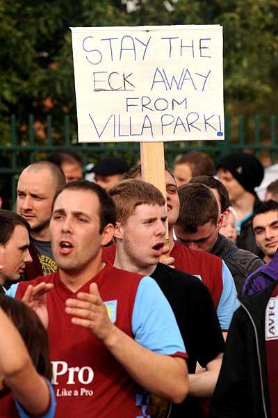 Alex McLeish protest villa park