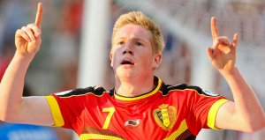 De Bruyne does the baby-faced version of Benteke's goal celebration