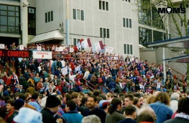 aston villa fans wembley 1994