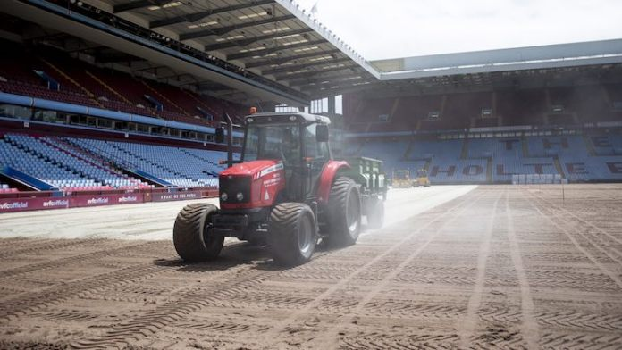 Villa Park Tractor