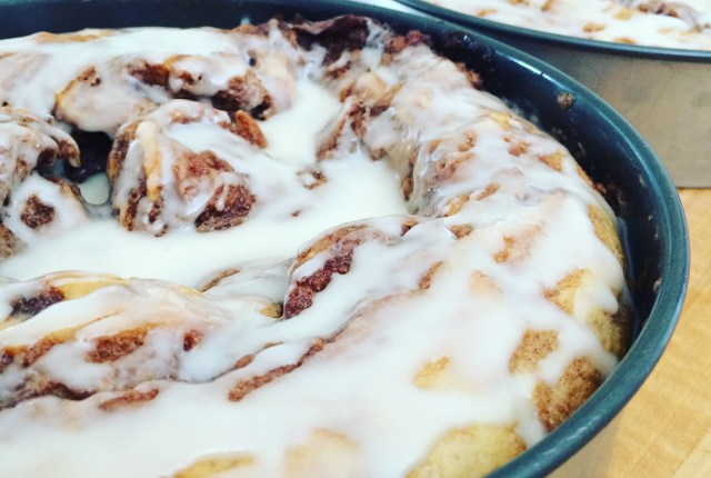 Cinnamon Roll Coffee Cake | via MyOtherMoreExcitingSelf.com #baking #bakingqueen #bakingaddiction