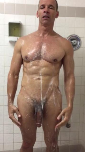 moplkrm-daddy in showers3