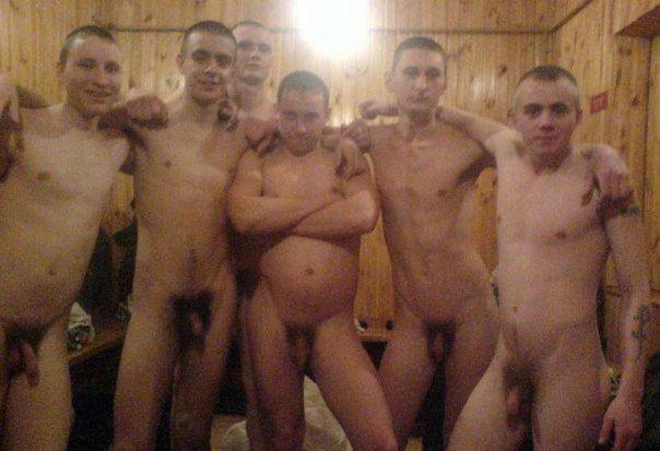 moplkrm_1 (1) soldiers naked in locker room