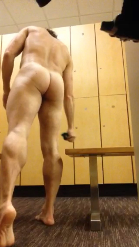 big-dicked-swimmer-spied-in-lockerroom2