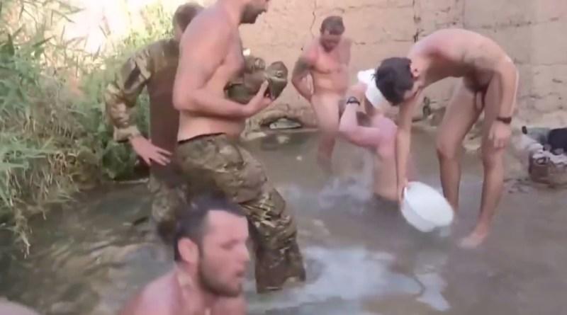 marines-taking-bath