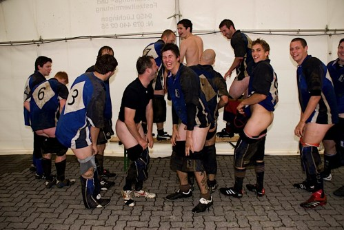 rugby-players-pants-down-nude