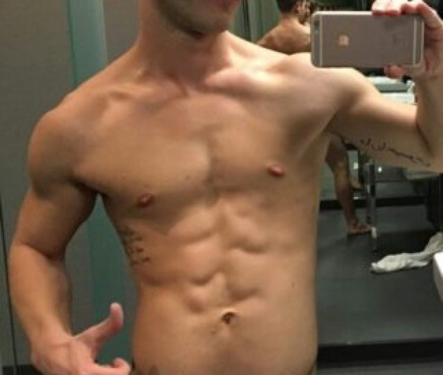 Sexy Selfies By Hung Guys