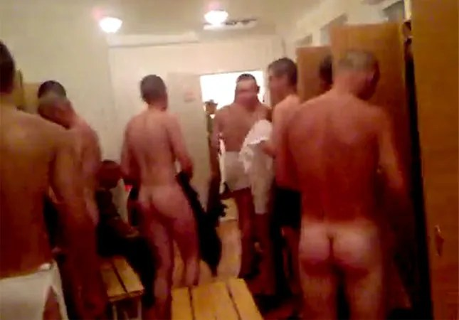 naked-russian-in-changing-room